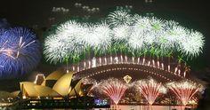 76. Trascorrere il Capodanno a guardare i fuochi d'artificio sulla baia di Sydney