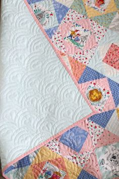 Two simple baby quilt ideas: Economy blocks using Dorothy's Journey - Wizard of Oz fabric fussy cuts and a simple denim and blues patchwork squares quilt. Baby Quilts Easy, Baby Patchwork Quilt, Baby Girl Quilts, Boy Quilts, Girls Quilts, Machine Quilting Patterns, Baby Quilt Patterns, Quilting Ideas, Modern Quilting Designs