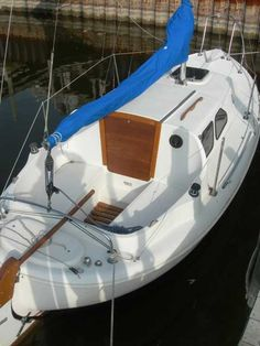Nordica 20 Full Keel, Southwest City, Missouri, yacht for sale, sailboat for sale Wooden Boat Kits, Wooden Boats, Cool Boats, Small Boats, Boat Building Plans, Boat Plans, Small Sailboats For Sale, Sailboat Yacht, Sailboat Interior