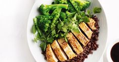 Low Carb Recipes To The Prism Weight Reduction Program For An Asian-Inspired Midweek Meal, Try This Speedy Sesame Chicken, Served On A Bed Of Black Rice. 800 Calorie Meal Plan, Low Calorie Recipes, Diet Recipes, Healthy Recipes, Healthy Dinners, Chicken Recipes, Recipies, Savoury Recipes, Healthy Foods