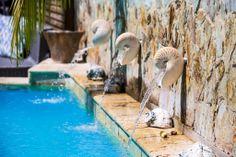 #Piscina #Karmairi! Spa, Outdoor Decor, Home Decor, Swiming Pool, Beach Club, Decoration Home, Room Decor, Interior Design, Home Interiors