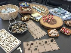 Reggio-based Math Provocations with Ten Frames, Numerals & Loose parts! (Via Richmond School District) Maths Eyfs, Eyfs Classroom, Preschool Math, Kindergarten Math, Classroom Setup, Maths Investigations, Numeracy Activities, Literacy And Numeracy, Math Manipulatives