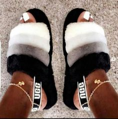 multiple colors and sizes needed 10 to 15 delivery days for shipping shipping only guarantee satisfaction please comment if interested Jordan Shoes Girls, Girls Shoes, Cute Uggs, Fluffy Shoes, Nike Slippers, Ugg Sandals, Swag Shoes, Nike Air Shoes, Aesthetic Shoes