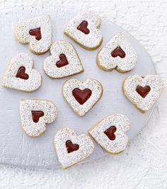 Hagebuttenherzen..this site has loads of yummy cookies
