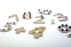 Holzspielzeug - Das bunte Zahlenspiel - ohne Stoffunterlage - ein Designerstück von lewi-spiele bei DaWanda