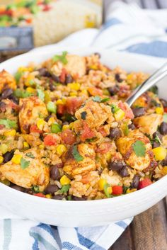 These Southwest Chicken and Rice bowls are packed with flavor and perfect for weeknight meals. Filled with tender chicken, brown rice, bell peppers, corn, black beans, and a mixture of spices, this zesty dish is simple to prep are and ready in no time! @successrice #Back2SchoolSuccess #ad