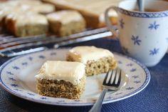 Åtte måter å bruke opp overmodne bananer - Godt. Let Them Eat Cake, No Bake Cake, Cake Recipes, Biscuits, Sweet Tooth, French Toast, Muffins, Recipies, Cheesecake