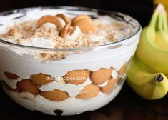 Need a quick but delicious dessert? Try this easy, semi-homemade Vanilla Wafer Banana Pudding! It's sweet and creamy with a bit of crunch. Vanilla Wafer Banana Pudding, Instant Banana Pudding, Southern Banana Pudding, Homemade Banana Pudding, Banana Pudding Recipes, Homemade Vanilla, Fun Desserts, Delicious Desserts, Dessert Recipes