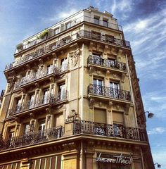 Simply Stunning Building in Paris
