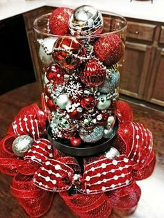 Peppermints in small fish bowls with candles super cute table decor for christmas i did - Kitchen table centerpiece bowls ...