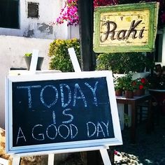 It's a wonderful day! #RakiRestaurant #SantoriniVillas Photo credits: @charchichoo