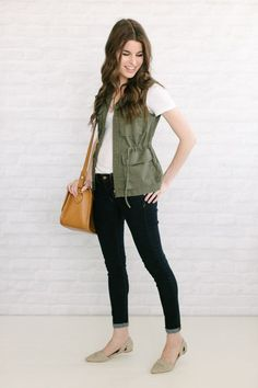 utility vest + white shirt + skinny jeans + gray d'orsay flats