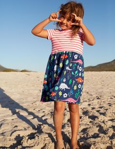 Forage for fresh treasures on the beach every tide in this comfortable pure cotton jersey dress you can wear all season. Wear with wellies or flip-flops depending on the weather.