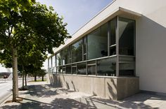 Alicante, Garage Doors, Spain, Culture, Outdoor Decor, Home Decor, Interior Design, Home Interior Design, Home Decoration