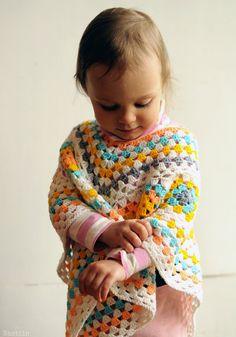 Girl granny square poncho Baby girl crochet outfit Infant knitted poncho Crochet granny square wrap Toddler crochet cape Baby shower gift