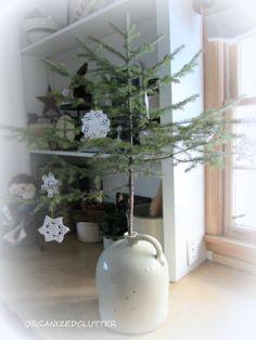 Organized Clutter: Winter/Christmas Vignettes