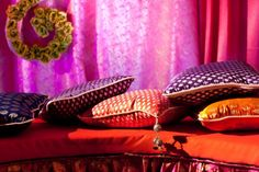 Planning to do your own mehendi decor? Then this post on mehendi decor props, where to find them and how much to buy them for is something you cannot miss. Outdoor Indian Wedding, Indian Wedding Ceremony, Desi Wedding, Indian Weddings, Mehendi Decor Ideas, Mehndi Decor, Home Wedding Decorations, Tent Decorations, Wedding Themes