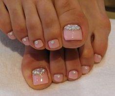 Nail Polish / pink toes