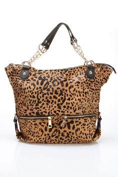 Gotta love the leopard :) Chain link Tote Animal Print Outfits, Animal Print Fashion, Animal Prints, Leopard Print Bag, Leopard Tote, My Bags, Purses And Bags, Handbag Accessories, Fashion Accessories