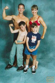 38 Awkward Family Fitness Photos - AwkwardFamilyPhotos.com