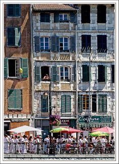 Fête de Bayonne: lovely coastal port