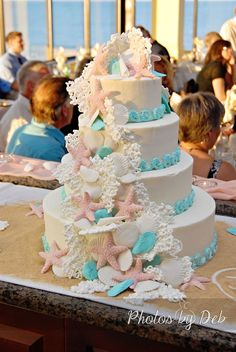 So I am absolutely in loooove with this beautiful beach wedding cake. perfect for a beach wedding. Possibly a great fit for my own wedding.if its a beach wedding(doubt it doh) Perfect Wedding, Our Wedding, Dream Wedding, Sea Wedding Theme, Beach Themed Wedding Cakes, Wedding Dress, Cake Wedding, Trendy Wedding, Luxury Wedding