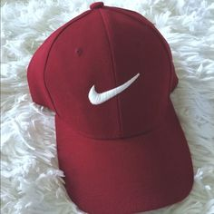 Nike Hat With Gold Check