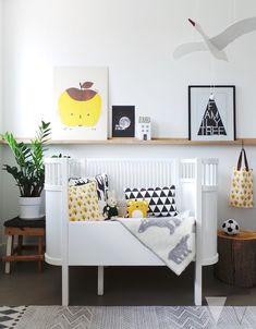 Het meegroeibed Kili van Sebra staat prachtig in de kinderkamer van blogger Lisanne van der Klift #kinderkamer #sebra #fonQ