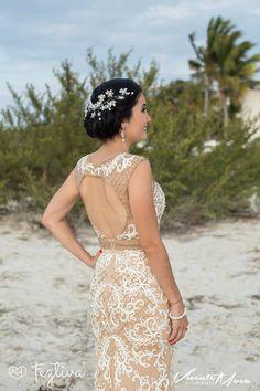 Boda Civil Adriana Ceballos & Javier Sarlat  Fotografías: Vicente Mena  Maquillaje y peinado: El Salón Café  #wedding #boda #Merida #Yucatan #Mexico