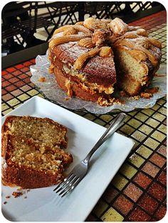 Pense neste bolo de Churros Recheado com Doce de Leite e imagine uma fatia dele, acompanhada de um capuccino duplo do Café Estilo.  Hoje o dia está pedindo, não é mesmo?