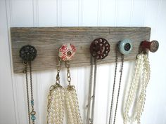 wall hanging jewelry holder