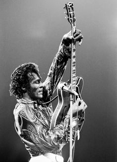 Rock 'n' Roll pioneer Chuck Berry performs at Madison Square Garden in 1971. (Photo: Michael Ochs Archives/Getty Images)