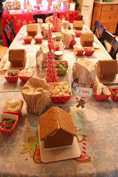 Decorating Gingerbread Houses #decorating #gingerbreadhouse