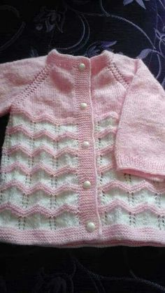 Toddler Cardigan, Baby Girl Cardigans, Knit Baby Sweaters, Knitted Baby Clothes, Free Baby Blanket Patterns, Baby Patterns, Baby Cardigan Knitting Pattern, Baby Knitting Patterns, Knitting For Kids