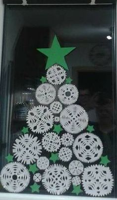 Check out some of the most awesome Christmas crafts for kids that theyll absolutely love making over the festive season creative craft Super Fun and Creative Christmas Crafts Kids Will Love to Make Christmas Crafts For Kids To Make, Christmas Activities, Christmas Projects, Winter Christmas, Kids Christmas, Holiday Crafts, Theme Noel, Snowman Crafts, Diy And Crafts
