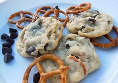 Sweet's By Stephie: Chocolate Chip Pretzel Cookies