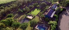 Welcome to Lumeria Maui, an educational retreat in Hawaii. We feature unique classes, retreats & meeting space, luxurious accommodations & spa treatments.