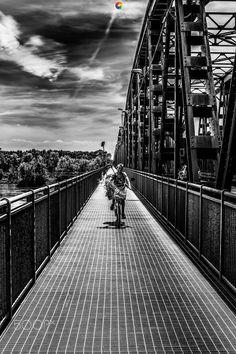 Old Bridge art! - Non amo particolarmente lo street però quando viaggio qualcosina la faccio! All Right Reserved ©Salvatore Lio 2016 FB: https://www.facebook.com/Sasametal/
