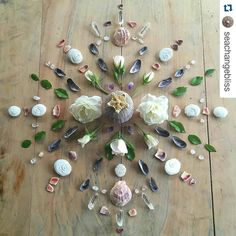 Beautiful natural mandala by meraki dreams Crystal Guide, Crystal Magic, Crystal Healing, Minerals And Gemstones, Crystals Minerals, Stones And Crystals, Wicca, Pagan, Crystal Mandala