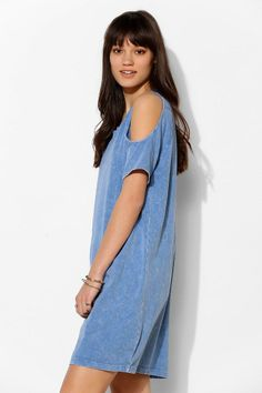 Silence + Noise Cold-Shoulder Tee Dress #urbanoutfitters