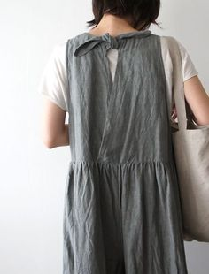 24 Gorgeous Fashion Ideas Trending This Fall - Luxe Fashion New Trends - Fashion for JoJo Fashion Details, Look Fashion, Womens Fashion, Fashion Spring, Trendy Fashion, Fashion Ideas, Apron Dress, Smock Dress, Linen Dresses