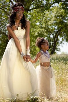 African Wedding Inspiration from Zoom Photography + Mary Kinney – Style Me Pretty African Wedding Theme, African Wedding Dress, African Theme, African Attire, African Dress, African Beauty, African Fashion, Wedding Attire, Wedding Gowns