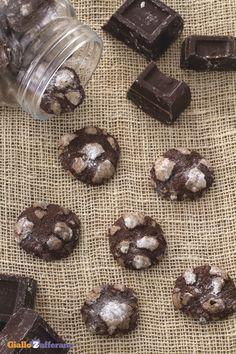 Croccanti e ricchi di #cioccolato come non mai: CHOCOLATE CRACKLE #COOKIES! #ricetta #GialloZafferano #italianrecipe