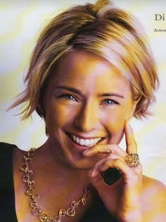 short and color... (tea leoni)