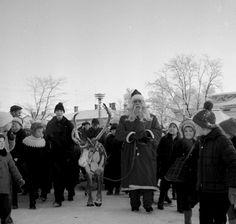 Joulukatu avautui puutalokaupungissa myös 1960-luvun alussa (Kuva: Uudenkaupungin museo)