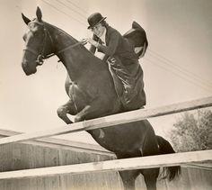 Joan-Woodbury-saut-d-obstacle-amazone.jpg