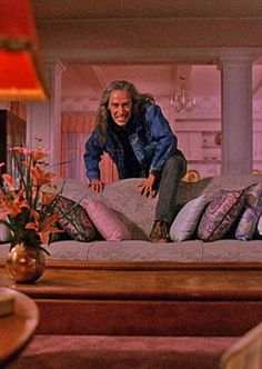 One of the most terrifying moments of TWIN PEAKS... BOB slowly climbing over the couch... ooohh!