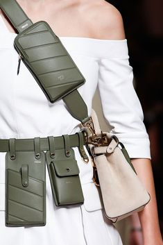 Fendi Spring 2019 Ready-to-Wear Collection - Vogue Fendi, Womens Fashion Online, Latest Fashion For Women, Look Fashion, Fashion Bags, Waist Purse, Medium Bags, Luxury Bags, Karl Lagerfeld