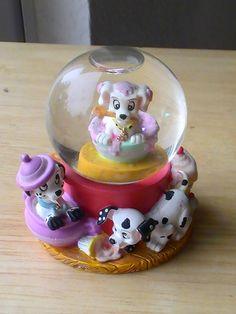 Disney 101 Dalmatians Mini Snowglobe