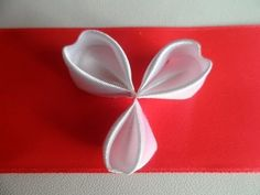 hand made Как сделать лепесток Канзаши формы сердца - YouTube